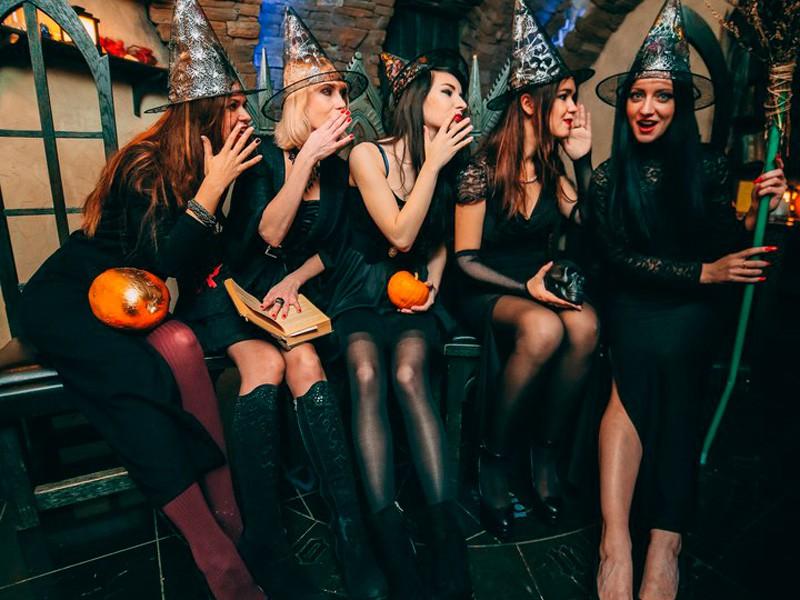 Новогодний корпоратив: 7 идей шикарного праздника на работе