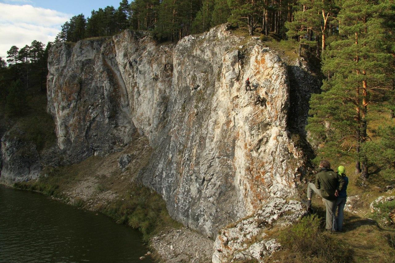 Скалы Арамашевские самоцветы