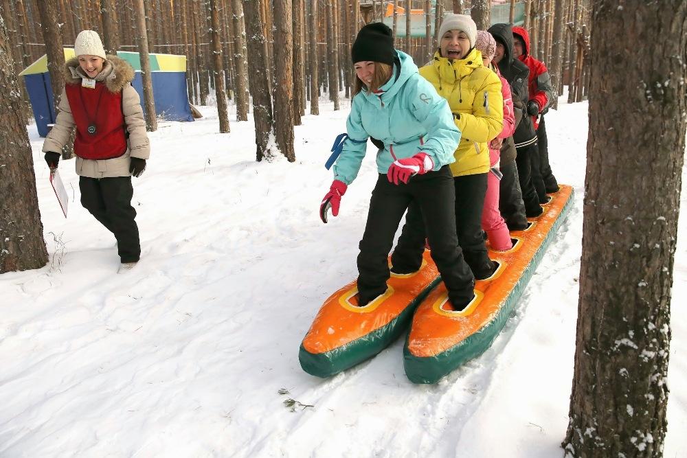 Пройти на гигантских лыжах